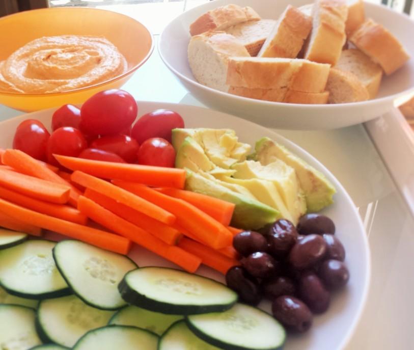 Hummus and Fresh Veggie Plate