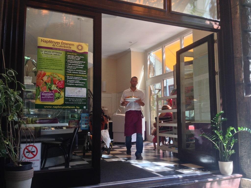 Napfényes Étterem vegan restaurant budapest