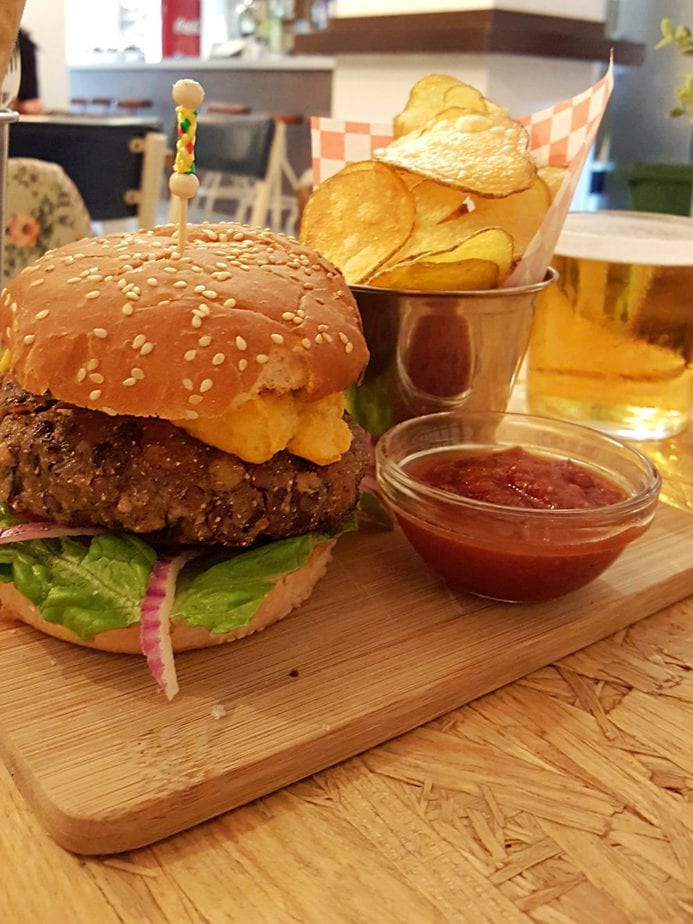 vegan cheese burger at nicpic in Malaga Spain