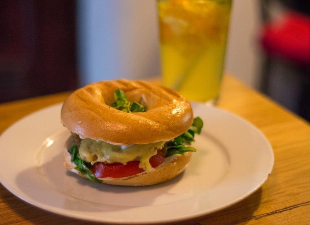 Best bagel and coffee vegan options