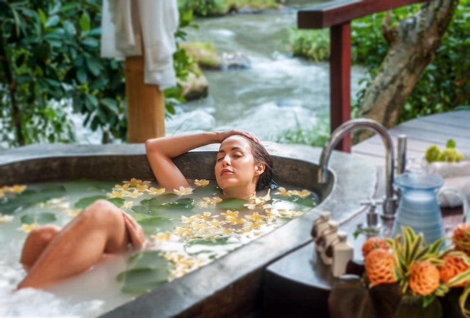 relaxing bath at Fivelements in Bali